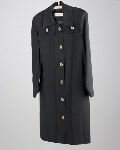 BOUTIQUES GIVENCHY  Robe chemise en crêpe...