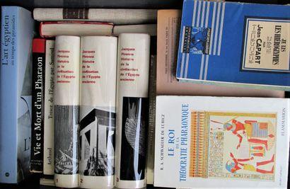 Ensemble de 31 ouvrages sur l'Égypte dont...