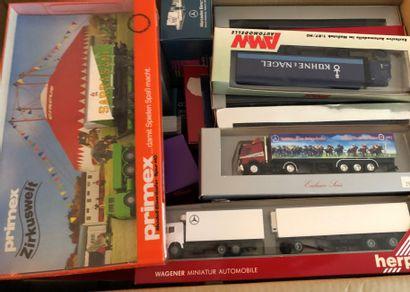 Lot de matériel ferroviaire et boites de...