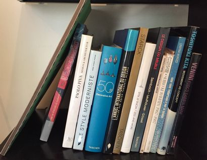 Lot comprenant 14 ouvrages sur le design...