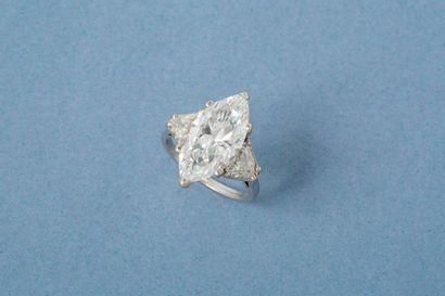 Bague en platine 900‰, ornée d'un diamant...