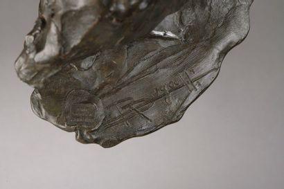 Rembrandt BUGATTI (1884-1916)   Pélican au repos   Circa 1904  Bronze à patine...