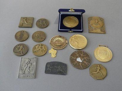 Lot de médailles sur le thème du sport