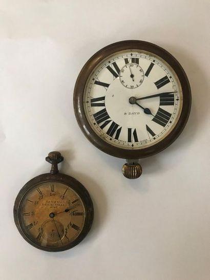 Lot de deux montres : - une portant l'inscription...