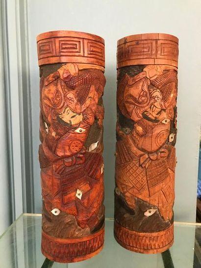 Ensemble de deux rouleaux en bois sculpté...