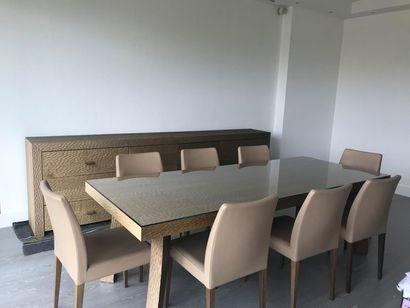 TABLE DE SALLE A MANGER De forme rectangulaire,...
