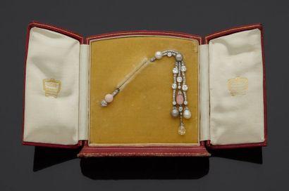 CARTIER Paris  Broche-épingle à pampilles en platine, 900‰, et diamants de taille...