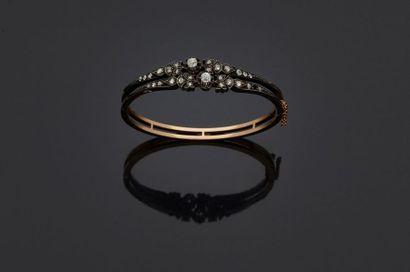 Bracelet rigide en or jaune, 18k 750‰, et...