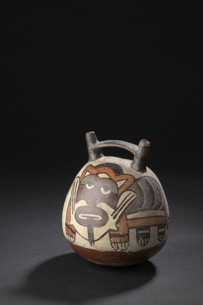 VASE à décor peint de félins  Culture Nazca,...