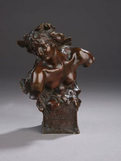Jules DESBOIS (1851-1935)  La Vigne (buste...