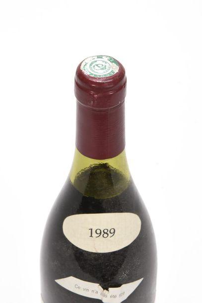 1 bouteille VOSNE-ROMANÉE CROS-PARANTOUX (1er Cru) 2,8 cm; e.l.s légèrement plissée;...