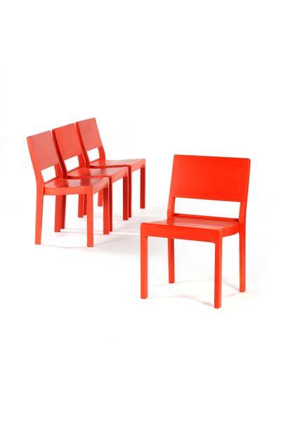 Alvar AALTO (1898-1976)  4 chaises dites...