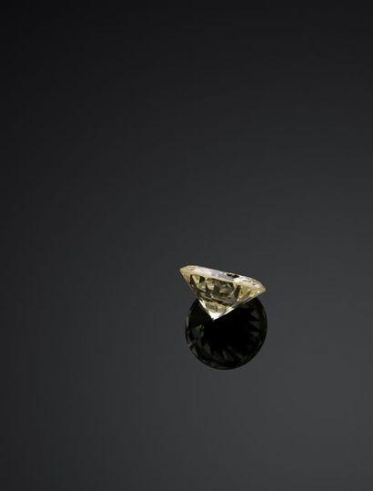 DIAMANT brillant de 13,53 carats. Couleur : P-R Pureté : VS2 Accompagné d'un certificat...