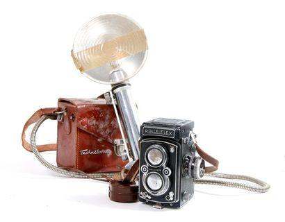 Boîtier Rolleiflex n°1294297 avec objectif...