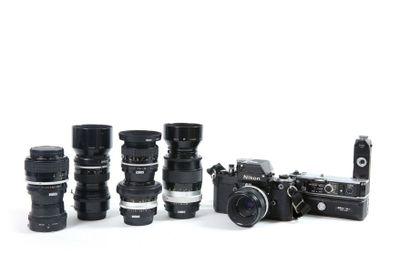 Ensemble Nikon : Boîtier Nikon F2 Photomic...
