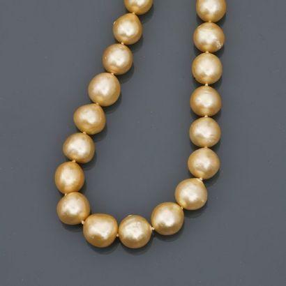 Collier de perles de culture dites