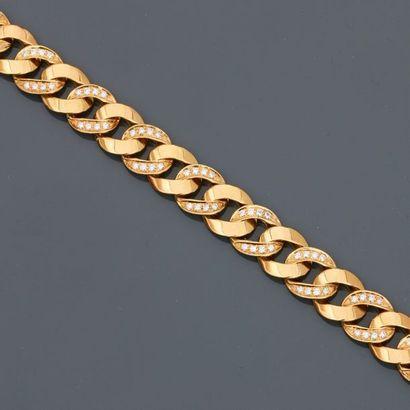 POMELLATO, Bracelet formé de maillons couchés...
