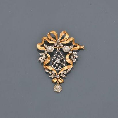 Fine broche à décor de ruban, fleurettes...