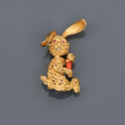 Broche dessinant un lapin en or jaune, 750...