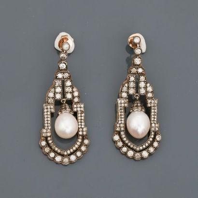 Très beaux pendants d'oreilles en or jaune...