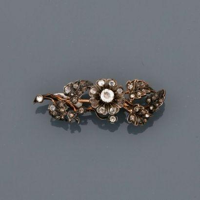 Broche barrette à décor floral en or 750MM...