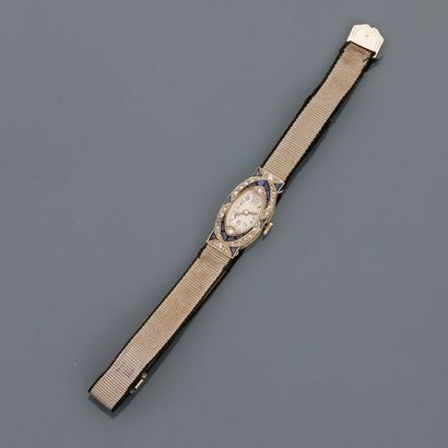 Bracelet montre en , platine 900 MM, lunette...