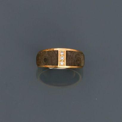 ., Bague anneau en or jaune, 750 MM, ornée...