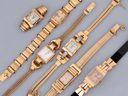 Lot de cinq bracelets-montre en or jaune,...