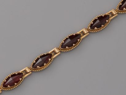 Bracelet formé de maillons d'or rose, 750...
