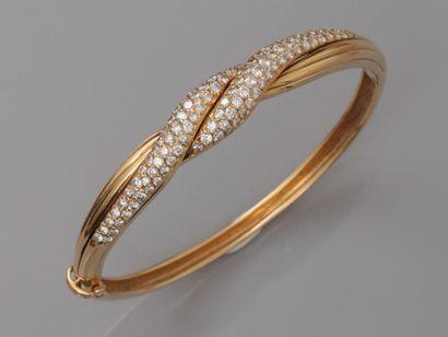 Bracelet ovale ouvrant en or jaune, 750 MM,...