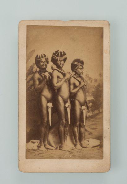 Walter Dufty (1854-1919). Portrait de trois...