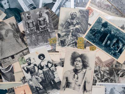 Ensemble de cinquante cartes postales anciennes,...