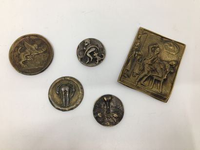 5 OBJETS. Scéne érotique en bronze 7,5 x...