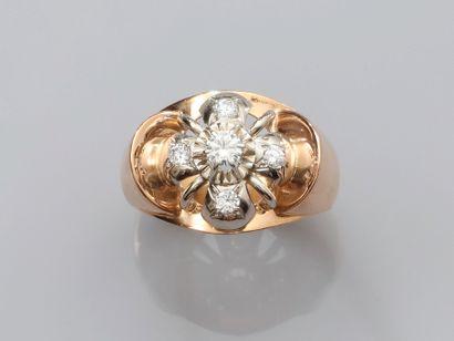 Bague en or jaune, 750 MM, ornée de diamants...