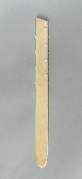 Coupe papier. Ivoire. 19 ème siècle. 33c...