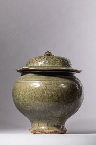 Bouillon en épaisse porcelaine du longquan...