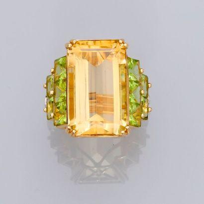 Bague en or jaune, 750 MM, ornée d'une citrine...