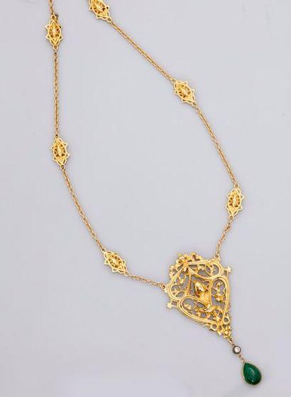 Très beau collier, mailles et motifs d'or...
