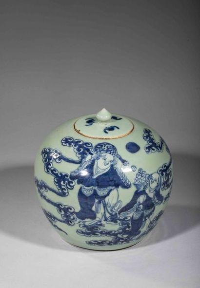Pot globulaire couvert en porcelaine décoré...