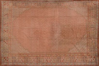 Important tapis en laine à motif de semis...