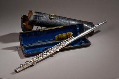 Ateliers Louis LOT (1807-1896). Flûte traversière...