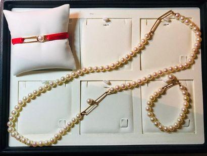 *Ensemble de 3 bijoux comprenant: - 1 collier...