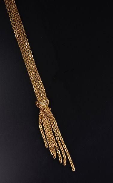 Collier cravate en or jaune 18k composé d'une...
