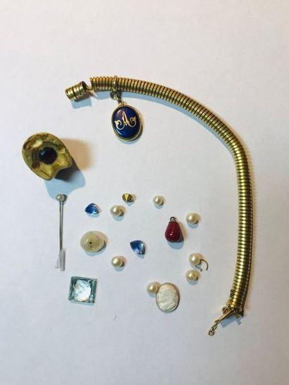Bracelet souple en or jaune 750 millièmes....