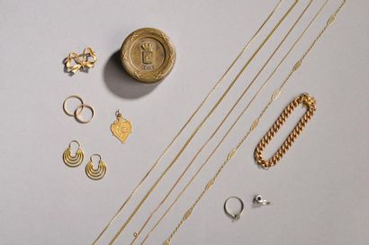 Ensemble en or comprenant : bracelet gourmette,...