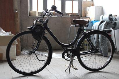 VELO SOLEX, 45cc, année 1949, entièrement...