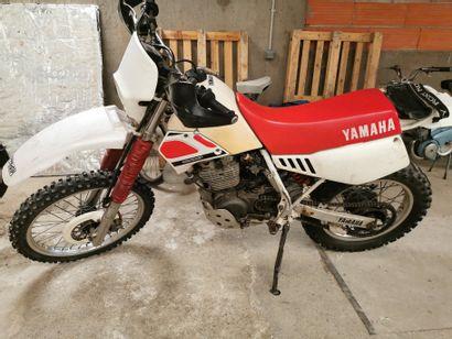 Moto cross YAMAHA, 43038km, ne démarre p...