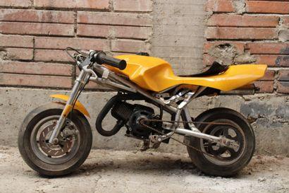 Petite moto cross jaune