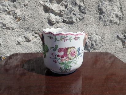 Rafraîchissoir à verre en faïence de la manufacture Robert à Marseille , à décor polychrome de  bouquets de fleurs. XVIIIeme.