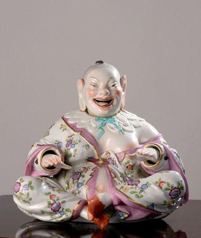 Grand bouddha en porcelaine polychrome à...